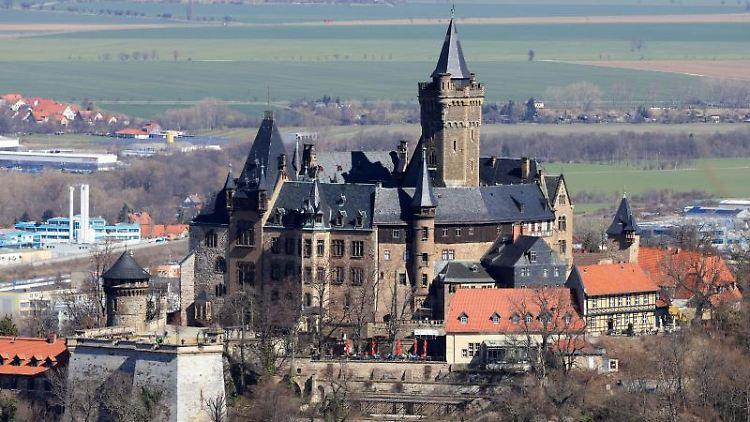 Blick auf das Schloss in Wernigerode. Foto: Peter Gercke/dpa-Zentralbild/dpa