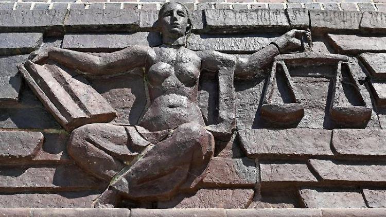 Justitia-Abbildung. Foto: Hendrik Schmidt/dpa-Zentralbild/dpa/Archivbild