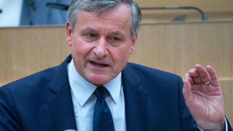 Hans-Ulrich Rülke, Fraktionsvorsitzender der FDP in Baden-Württemberg, spricht. Foto: Sebastian Gollnow/dpa/Archivbild