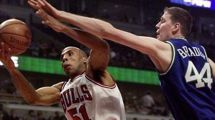2001-01-08T000000Z_759822534_RP2DRIFOGKAA_RTRMADP_3_SPORT-NBA.JPG