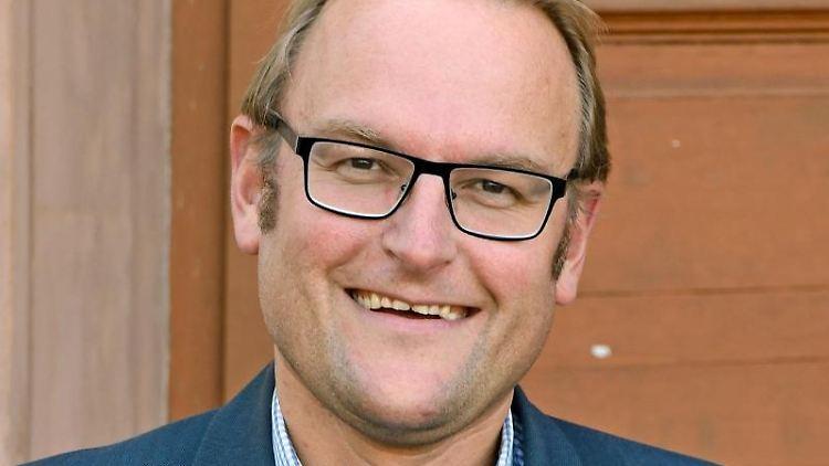 Der Pirmasenser Oberbürgermeister Markus Zwick (CDU). Foto: Peter Zschunke/dpa/Archivbild