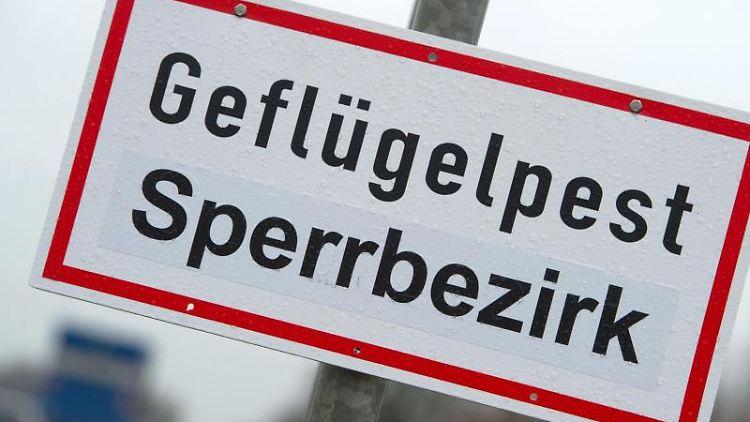 Ein Schild mit der Aufschrift