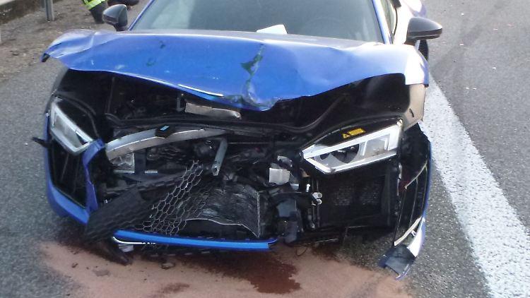 blauerSportwagen.jpg