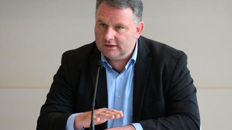 Christian Hartmann (CDU), Fraktionsvorsitzender im Sächsischen Landtag, spricht. Foto: Sebastian Kahnert/dpa-Zentralbild/dpa/Archivbild
