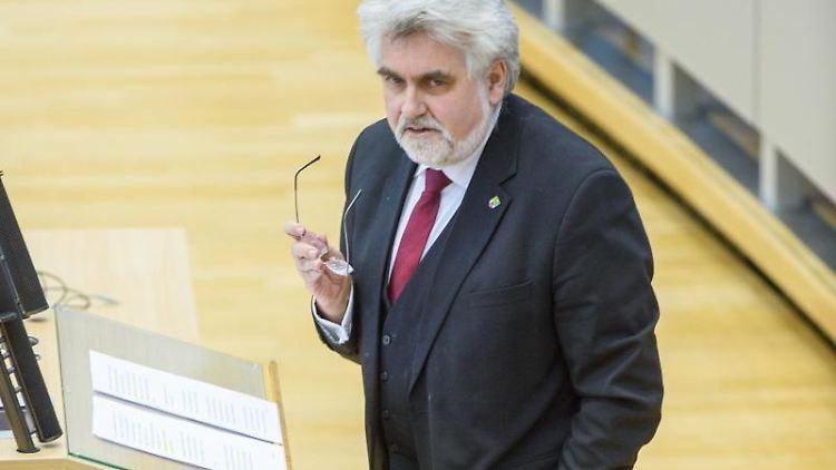 Armin Willingmann (SPD) spricht. Foto: Klaus-Dietmar Gabbert/dpa-Zentralbild/dpa/Archivbild
