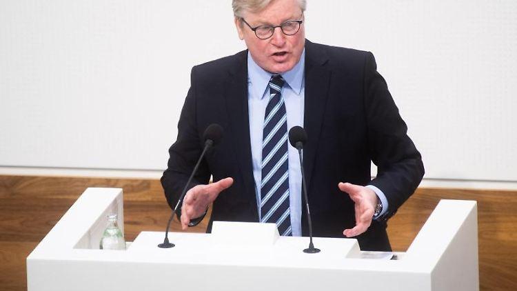 Niedersachsens Wirtschaftsminister Bernd Althusmann spricht in Hannover. Foto: Julian Stratenschulte/dpa/archivbild