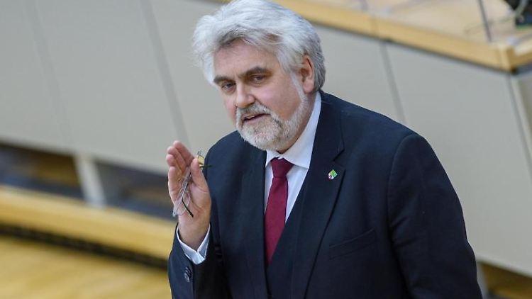 Sachsen-Anhalts Wirtschaftsminister Armin Willingmann (SPD) spricht bei einer Landtagssitzung. Foto: Klaus-Dietmar Gabbert/dpa-Zentralbild/dpa/Archivbild