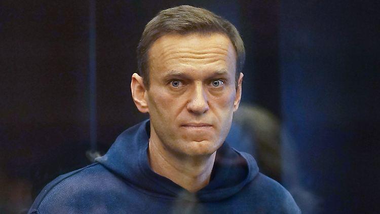 Mediziner fordern in offenem Brief Zugang zu dem Kreml-Kritiker Nawalny.