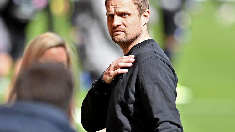 Der Mainzer Trainer Bo Svensson. Foto: Torsten Silz/dpa/Archivbild