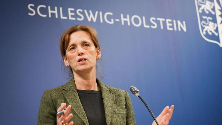 Karin Prien (CDU), Kulturministerin von Schleswig-Holstein, spricht. Foto: Christian Charisius/dpa/Archivbild