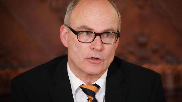 Ties Rabe (SPD), Senator für Schule und Berufsbildung in Hamburg. Foto: Christian Charisius/dpa/Archivbild
