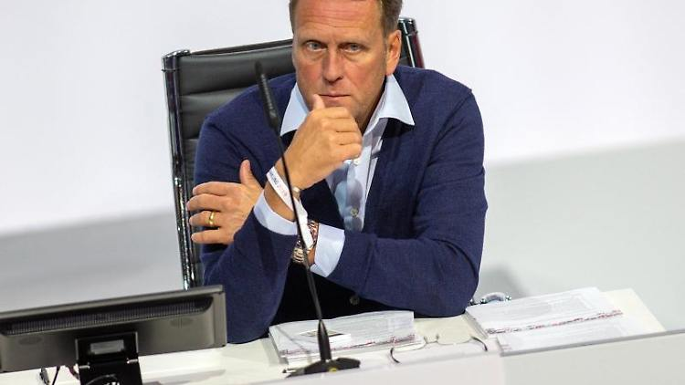 Steffen Schneekloth, Präsident von Holstein Kiel und Vizepräsident der DFL. Foto: Andreas Gora/dpa/Archivbild