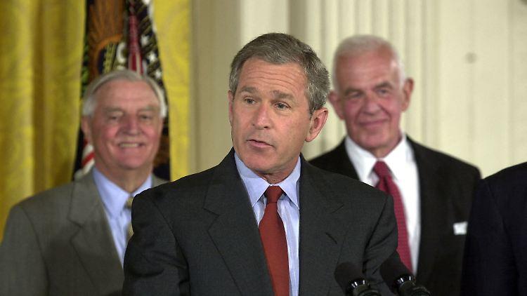 Der frühere US-Präsident George Bush setzt sich für eine Reform des Einwanderungssystems der USA ein.