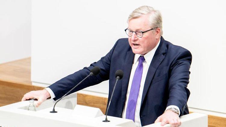 Bernd Althusmann (CDU), Wirtschaftsminister in Niedersachsen, spricht im Landtag. Foto: Hauke-Christian Dittrich/dpa/Archivbild