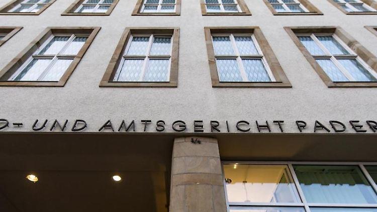 Außenansicht des Land- und Amtsgerichts Paderborn. Foto: David Inderlied/dpa