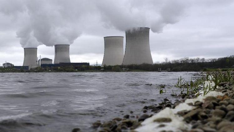 Das Atomkraftwerk in Cattenom. Foto: Christophe Karaba/EPA/dpa/Archivbild