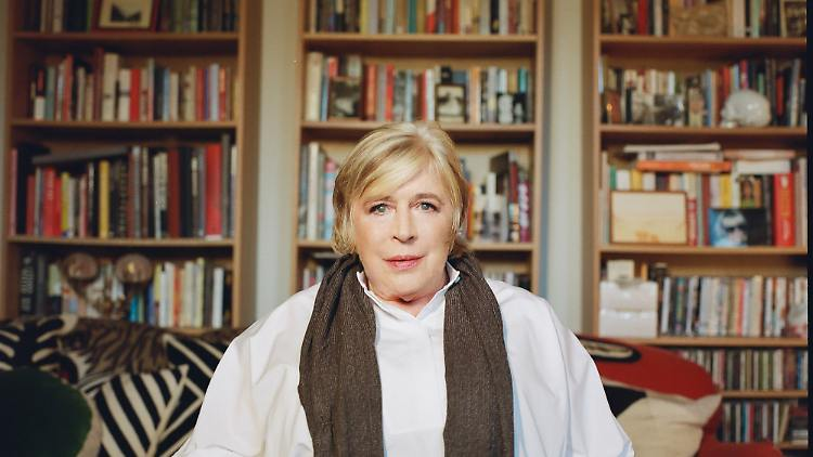 Marianne-Faithfull-2-Photo-Credit-Rosie-Matheson-1000px.jpg