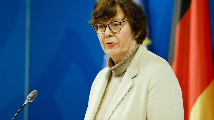 Schleswig-Holsteins Innenministerin Sabine Sütterlin-Waack in Kiel. Foto: Frank Molter/dpa/archivbild
