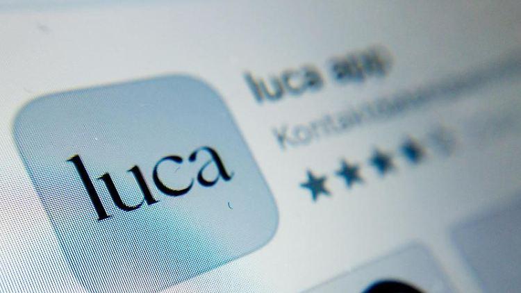 Das Symbol der Luca-App ist auf einem Smartphone zu sehen. Foto: Christoph Soeder/dpa/Archivbild