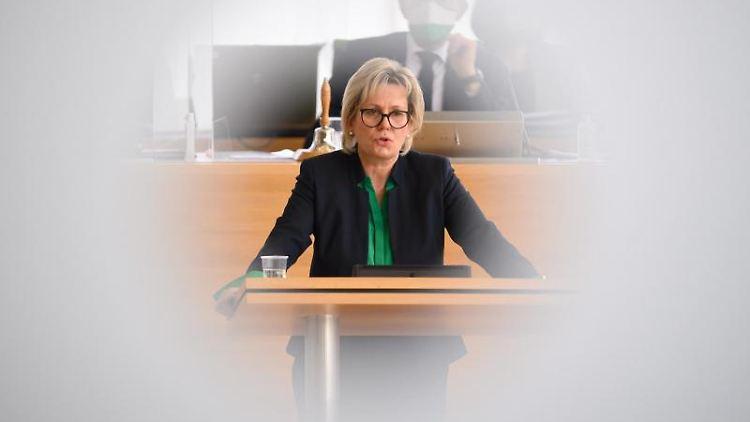 Barbara Klepsch (CDU) spricht während einer Sitzung des Sächsischen Landtages. Foto: Robert Michael/dpa-Zentralbild/dpa/Archivbild