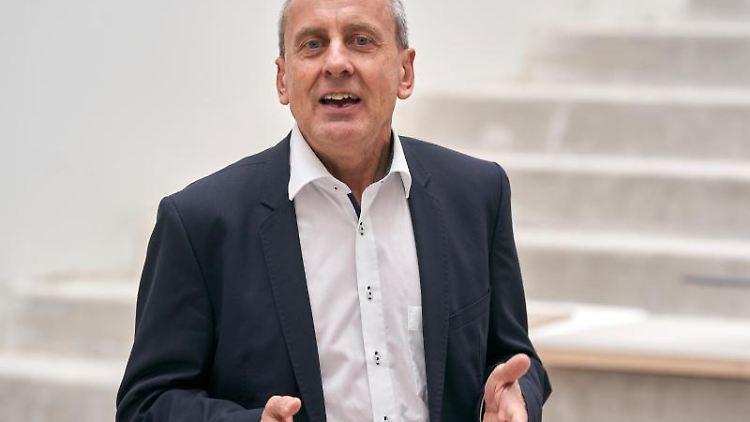 Der scheidende Kulturminister Konrad Wolf. Foto: Thomas Frey/dpa/Archivbild