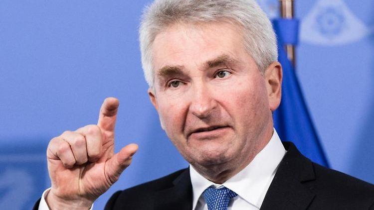 Andreas Pinkwart (FDP), Wirtschaftsminister von Nordrhein-Westfalen. Foto: Marcel Kusch/dpa/Archivbild