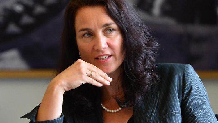 Cornelia Haase-Lerch, Hauptgeschäftsführerin der Industrie- und Handelskammer Erfurt (IHK). Foto: Marc Tirl/dpa-Zentralbild/dpa/Archivbild