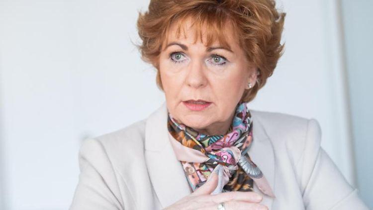 Barbara Havliza (CDU), niedersächsische Justizministerin, spricht. Foto: Julian Stratenschulte/dpa/Archivbild