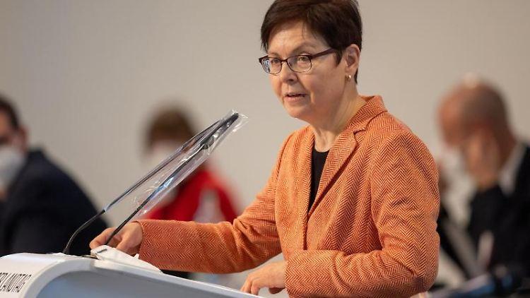 Heike Taubert (SPD), Thüringer Finanzministerin, spricht. Foto: Michael Reichel/dpa-Zentralbild/dpa/Archivbild