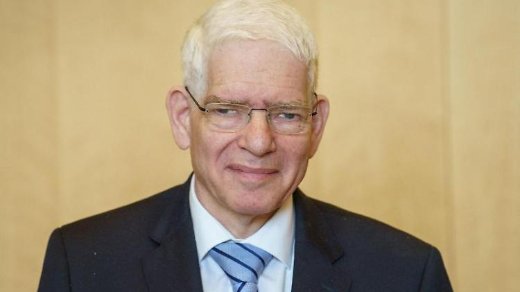 Der Präsident des Zentralrats der Juden Josef Schuster in Frankfurt. Foto: Frank Rumpenhorst/dpa/archivbild