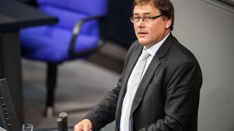 Gerald Ullrich (FDP) spricht. Foto: Arne Immanuel Bänsch/dpa