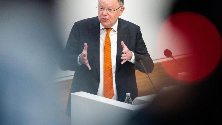 Stephan Weil (SPD), Ministerpräsident in Niedersachsen. Foto: Julian Stratenschulte/dpa/Archivbild