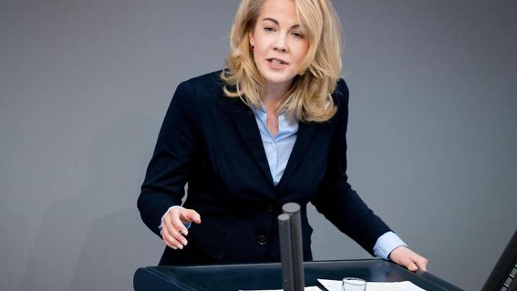 Linda Teuteberg (FDP) spricht. Foto: Kay Nietfeld/dpa/Archivbild