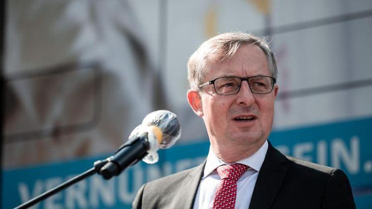 Vorsitzender der VDV-Landesgruppe NRW Ulrich Jaeger in Düsseldorf. Foto: Fabian Strauch/dpa/archivbild