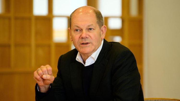 Olaf Scholz, Bundesfinanzminister und Spitzenkandidat der SPD Brandenburg, spricht. Foto: Soeren Stache/dpa