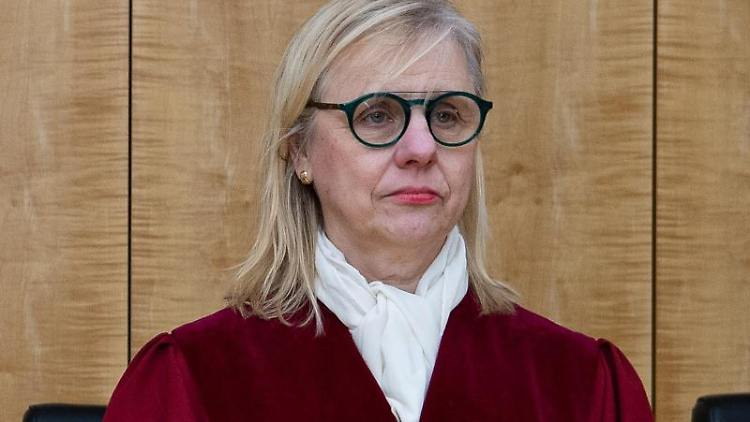 Richterin Barbara Dauner-Lieb im Gerichtssaal des NRW-Verfassungsgerichtshofs. Foto: Guido Kirchner/dpa/Archivbild