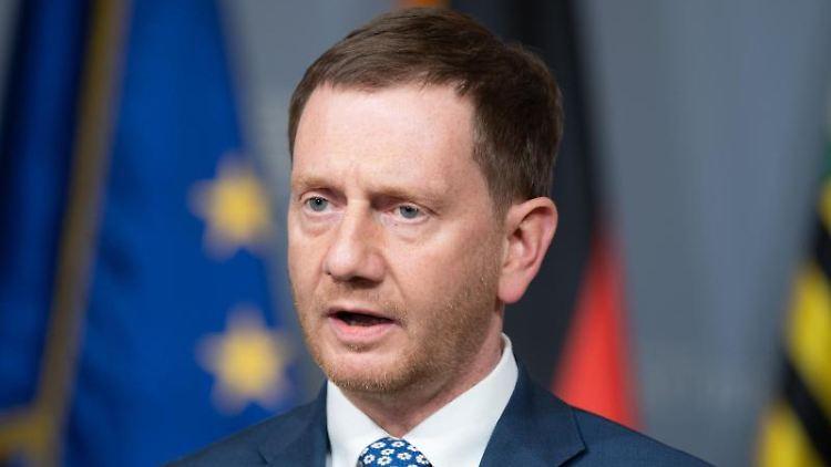 Michael Kretschmer (CDU) spricht bei einer Pressekonferenz. Foto: Sebastian Kahnert/dpa-Zentralbild/dpa/Archivbild