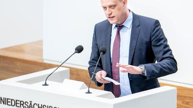 Wiard Siebels, Parlamentarischer Geschäftsführer der SPD im Landtag von Niedersachsen. Foto: Hauke-Christian Dittrich/dpa/Archiv