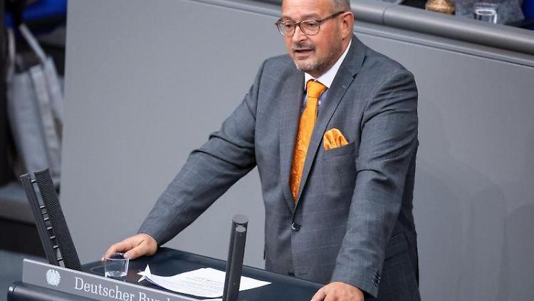 Uwe Witt (AfD) spricht im Deutschen Bundestag. Foto: Bernd von Jutrczenka/dpa/Archivbild
