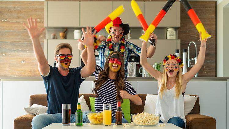 Die EM 2021 wird in Wohnzimmer und Garten zum Fußballfest.