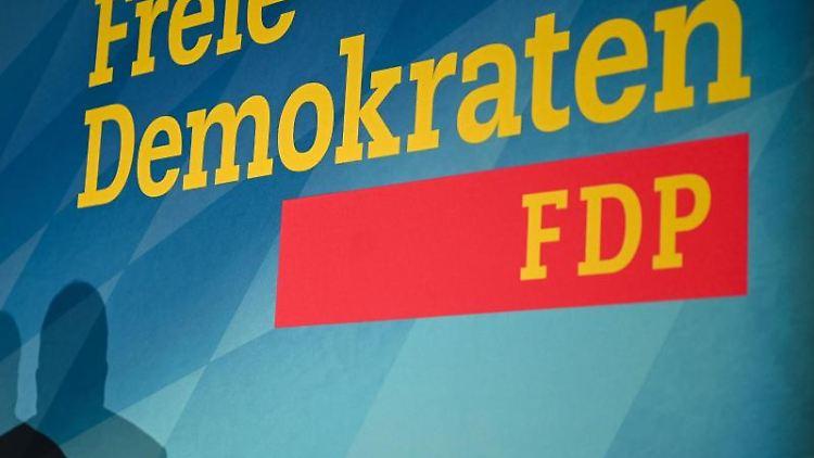 Das Logo der FDP. Foto: Nicolas Armer/dpa/Archivbild