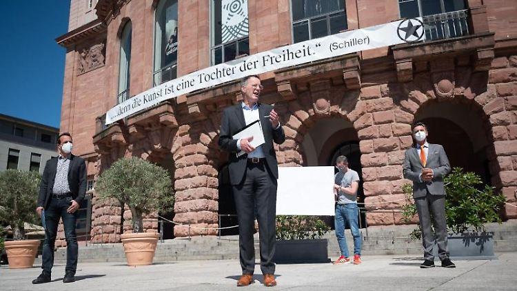 Oberbürgermeister Michael Ebling während der Vorstellung eines