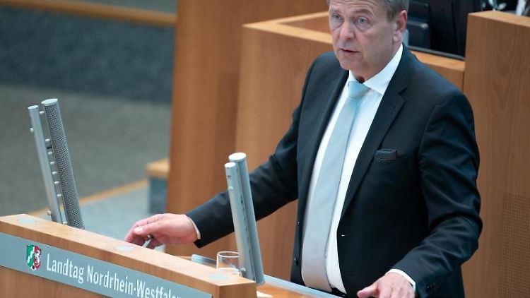 Christof Rasche (FDP) spricht im Landtag. Foto: Federico Gambarini/dpa/Archivbild