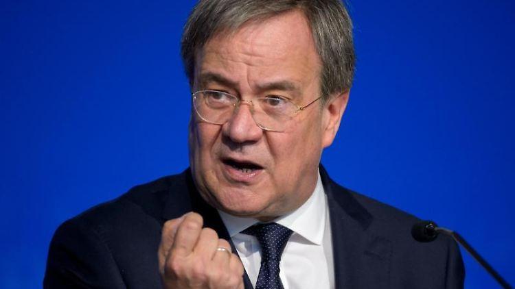 Armin Laschet (CDU) spricht. Foto: Jonas Walzberg/dpa/Archivbild