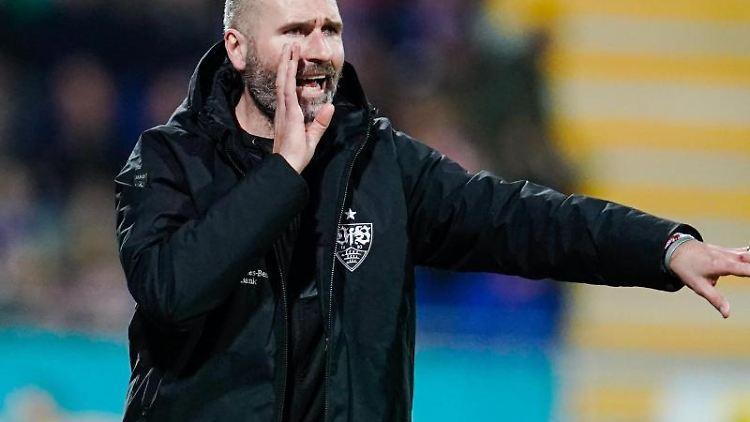 Trainer Tim Walter gestikuliert. Foto: Uwe Anspach/dpa