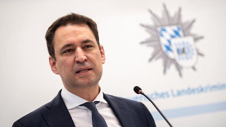 Georg Eisenreich (CSU), Justizminister von Bayern, gibt eine Pressekonferenz. Foto: Matthias Balk/dpa/Archivbild