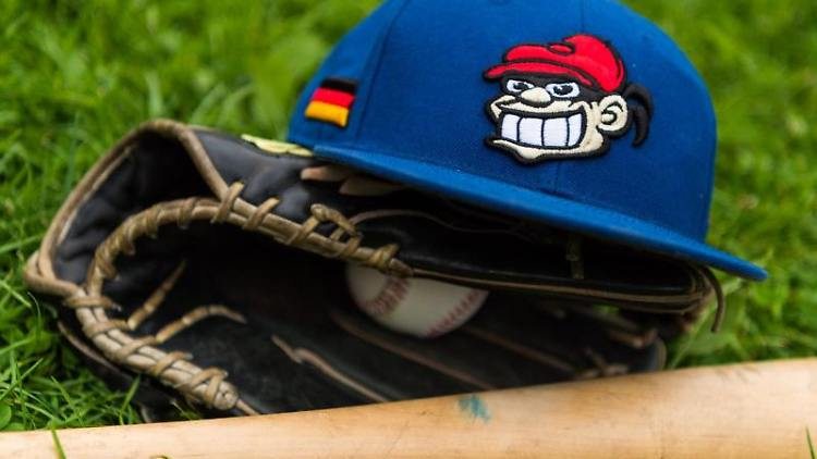 Eine Baseballcap der Hamburger Stealers. Foto: picture alliance / Christophe Gateau/dpa/Archivbild