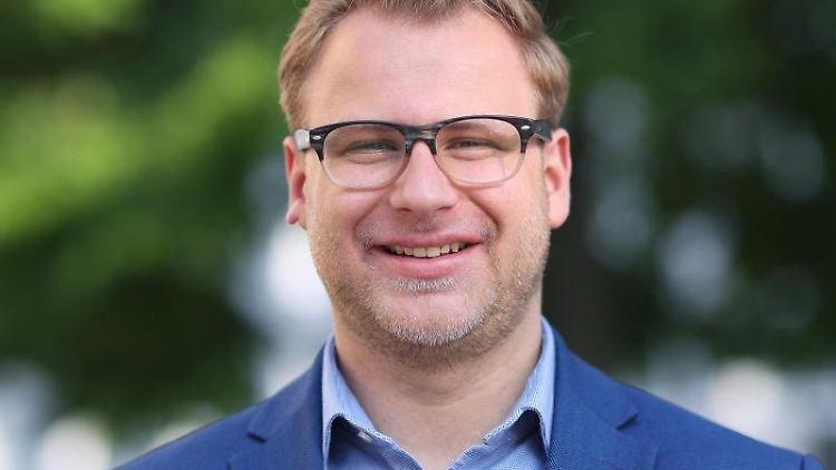 Konstantin Pott (FDP). Foto: Ronny Hartmann/dpa/Archivbild