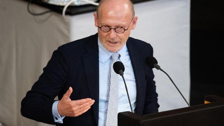Michael Westhagemann (parteilos), Wirtschaftssenator von Hamburg. Foto: Daniel Reinhardt/dpa/Archivbild