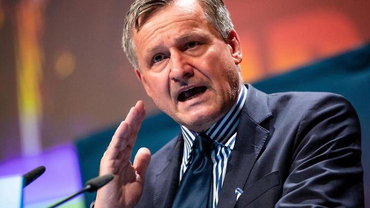 Hans-Ulrich Rülke, Vorsitzender der FDP/DVP-Fraktion im Landtag, spricht. Foto: Christoph Schmidt/dpa